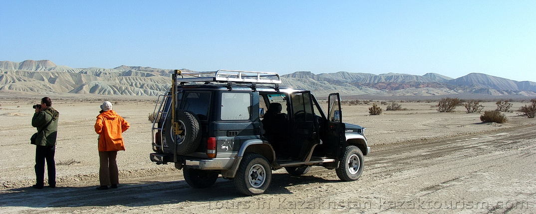 4WD tours. Tourism and leisure in Kazakhstan. Offroad tours.
