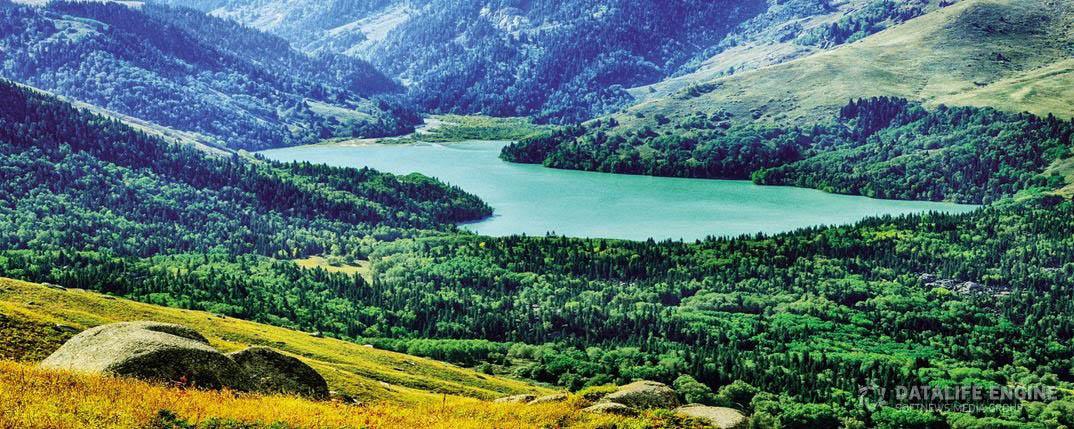 Upper Zhassylkol lake
